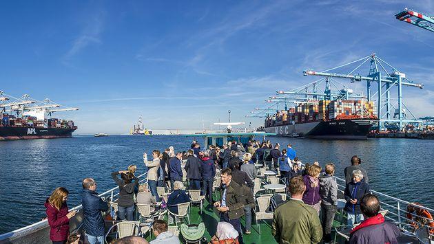 FutureLand Ferry door Eric Bakker